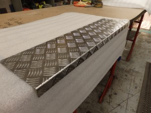chequer-aluminium-door-step-cover