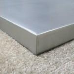 zinc-table-top-corner-detail